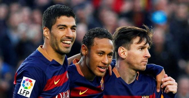 Suarez: 'Dù cú ăn ba hay tiền bạc cũng chẳng thể kéo tôi rời Barca'