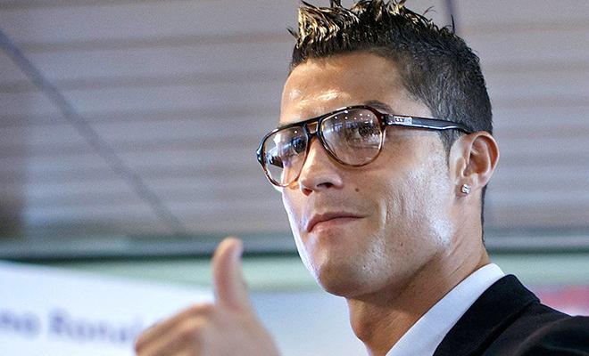 Cristiano Ronaldo không tiếc tiền tiêu xài vì 'người tình đồng giới tin đồn'