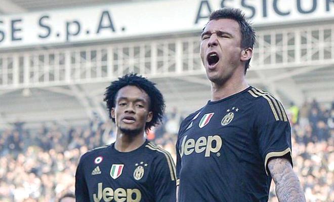 Juventus & cuộc đua vô địch Serie A: May mà Tevez, Pirlo, Vidal đòi ra đi!