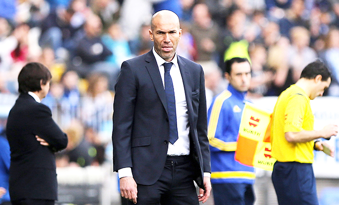 Real Madrid: Đua với Barca như đánh nhau với cối xay gió