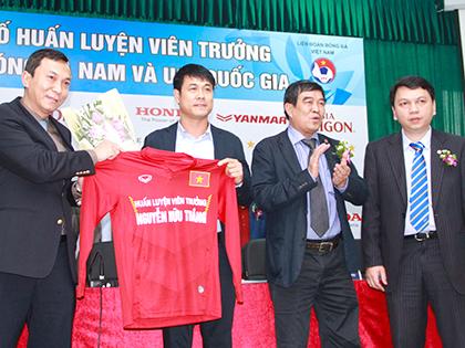Tân HLV trưởng đội tuyển Việt Nam Nguyễn Hữu Thắng: 'Tôi tự quyết, tự chịu trách nhiệm trước 90 triệu người'