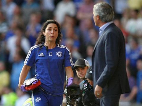 Mourinho khó đến Man United vì nữ bác sĩ Eva Carneiro