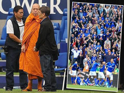 TIẾT LỘ: Leicester 'lột xác' là nhờ các cầu thủ mang... bùa khi ra sân