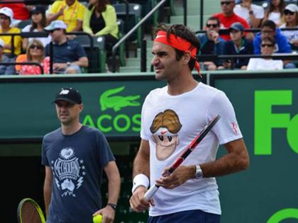 Roger Federer ra mắt bộ sưu tập áo T-shirts