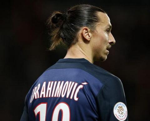 Ibrahimovic xác nhận đang cân nhắc chuyển tới Premier League