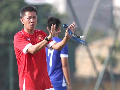 HLV Hoàng Anh Tuấn: 'Các cầu thủ cần nắm chắc luật và giữ hình ảnh'