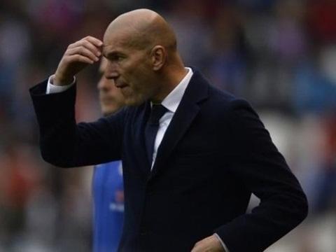 Zinedine Zidane thừa nhận 'Barca vô địch xứng đáng'
