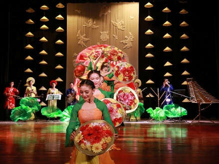 'Bữa tiệc' văn hóa Việt trên đất Nga