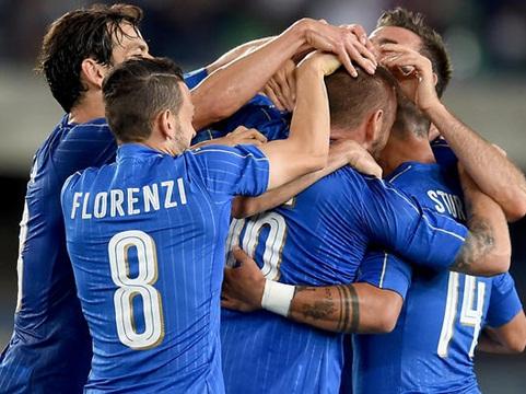 Cristiano Ronaldo bất ngờ chọn Italy là ứng viên vô địch EURO 2016