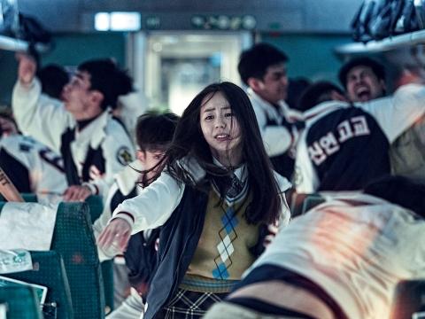 Thần tượng K-pop 'áp đảo' màn bạc phim Hè
