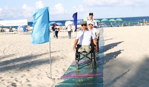 Đà Nẵng mở lối đi riêng ra biển cho người khuyết tật