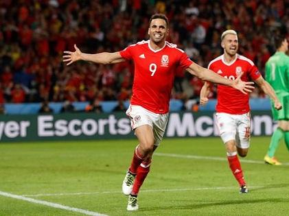 Xứ Wales và Iceland 'vớ bẫm' tiền thưởng ở EURO 2016