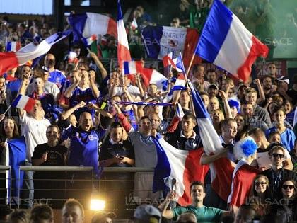 Người dân Pháp tin đội tuyển sẽ vô địch