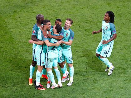 Bồ Đào Nha thành công nhờ hàng thủ và Ronaldo