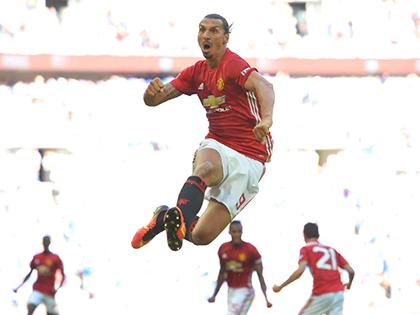 Zlatan Ibrahimovic: Chiến công đầu tiên cho Man United