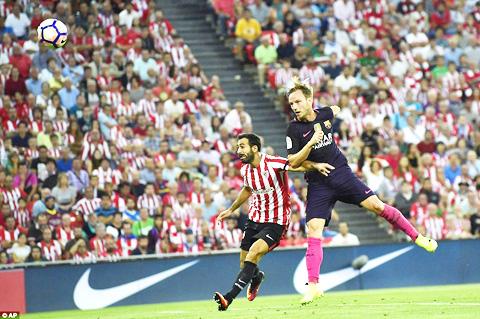 Bilbao 0-1 Barca: Rakitic tỏa sáng trong ngày Messi, Suarez tịt ngòi