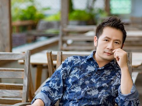 Nghe Bằng Kiều đệm guitar cho Thanh Hà hát 'Anh cứ đi đi'