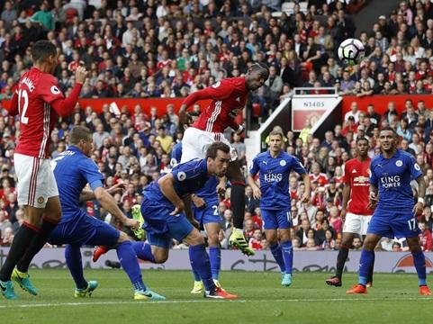 Pogba ghi bàn đầu tiên cho Man United, cộng đồng mạng DẬY SÓNG