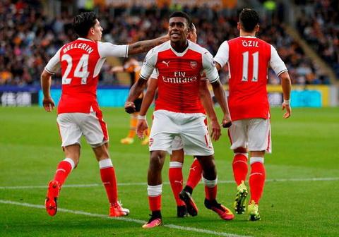 Arsenal đã thắng Chelsea: Vì sao Wenger phải kìm hãm sự sung sướng lại? - Ảnh 1
