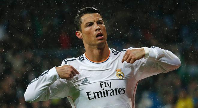 Cristiano Ronaldo ghi bàn bằng cú rabona tuyệt đẹp trên sân tập