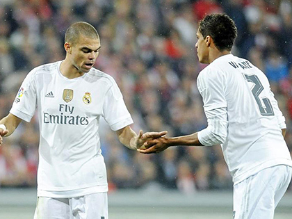 Real Madrid: Pepe và Varane đều hay, đá cặp lại dở