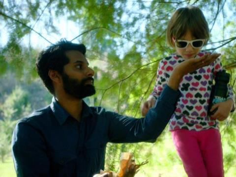 Kênh truyền hình Australia gây sốc vì cho trẻ thử cần sa