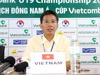 HLV Hoàng Anh Tuấn của U19 Việt Nam: 'Người hùng' không thầm lặng