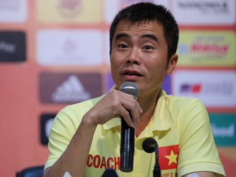 HLV Phạm Minh Đức: 'Tuyển thủ U19 cũng phải dự bị ở U21'