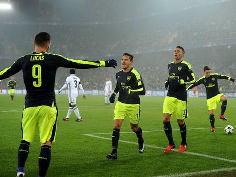 Ian Wright: 'Arsenal chưa thực sự hay, tinh thần vẫn yếu'