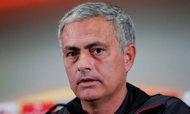 Mourinho chỉ trích UEFA điều gì trước trận đấu quyết định ở Europa League?
