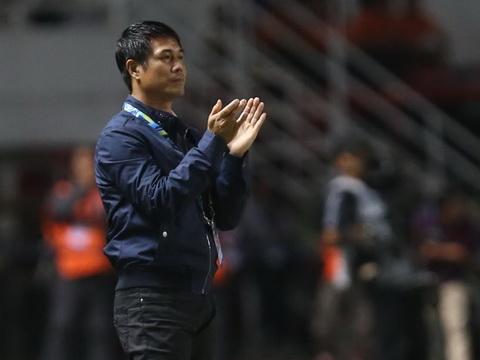 HLV Hữu Thắng chưa chốt tương lai với tuyển Việt Nam