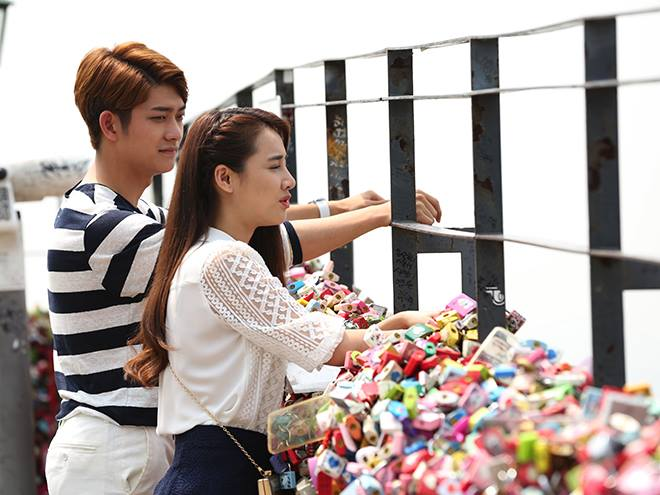 'Tuổi thanh xuân 2' quảng cáo bánh Hàn Quốc lộ liễu