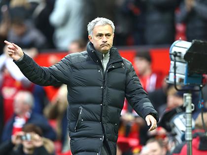 Mourinho làm gì thì làm, Man United phải lọt vào Top 4