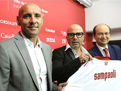 Nhìn Sevilla, Man United tiếc Monchi không?