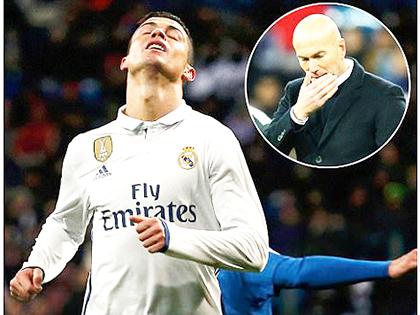 Sau 40 trận bất bại, Real Madrid thua 2 trận liên tiếp: Thanh kiếm đã tuột khỏi tay Zidane