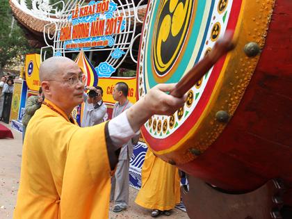 Khai hội chùa Hương 2017: Miễn phí vệ sinh công cộng và trông giữ xe ô tô