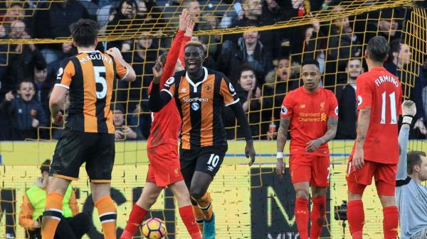 Tại sao Liverpool có thể thắng những trận lớn nhưng không vô địch Premier League?
