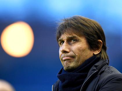 Vì sao Chelsea quyết 'trói' bằng được Conte?