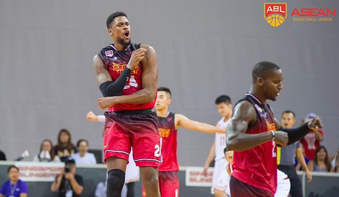 Saigon Heat thắng nghẹt thở HK Eastern Long Lions ngay trên sân khách