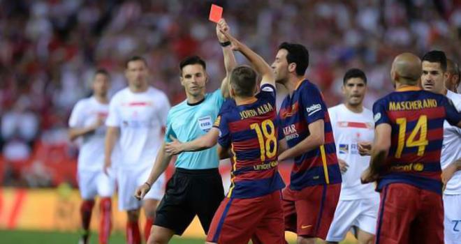 GÓC THỐNG KÊ: Barca chưa bị thẻ đỏ và quả phạt đền nào ở Liga mùa bóng này