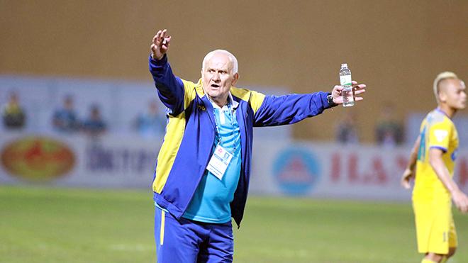 'Bố già' Petrovic và nửa chiếc Cup