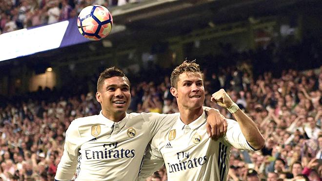 Muốn giành Liga, Barca giờ chỉ còn cách 'cướp' từ phòng truyền thống của Real