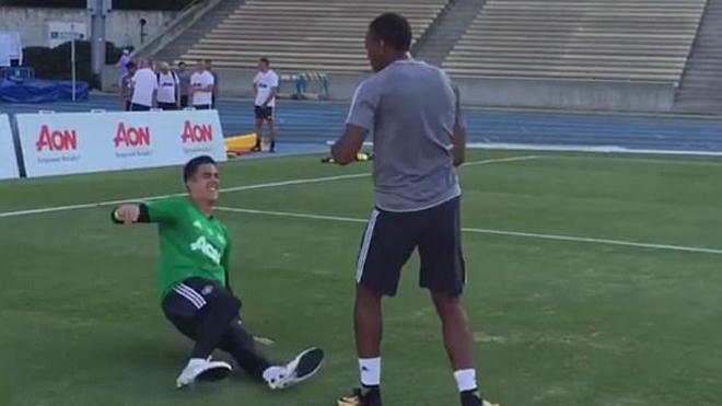 Đối mặt với nguy cơ bị Mourinho bỏ rơi, Anthony Martial đi luyện võ