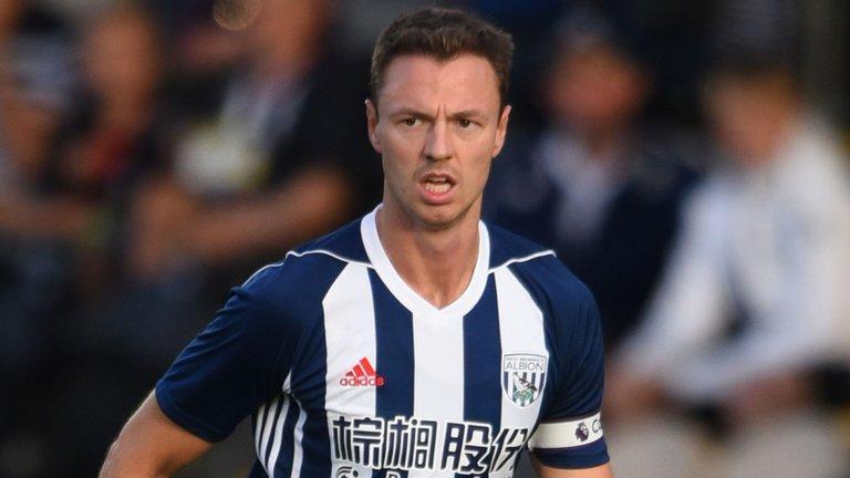 SỐC!!! Man City hỏi mua Jonny Evans với giá cao nhưng bị từ chối