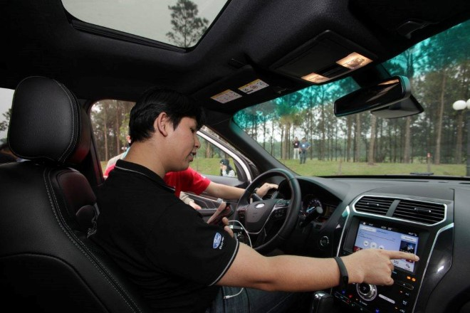 Chuyên gia công nghệ trải nghiệm xe Ford