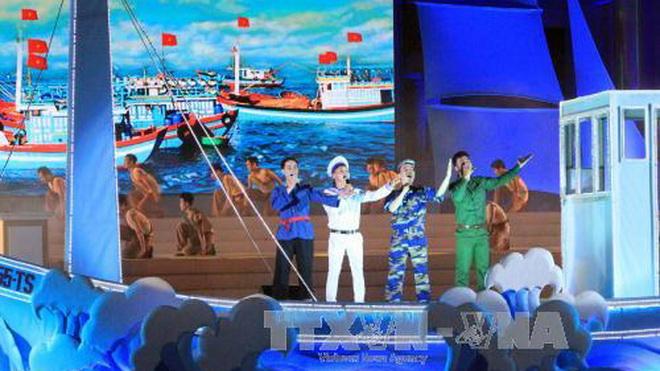 Festival Biển Nha Trang 2017 xác lập kỷ lục 'nồi cháo hải sản lớn nhất'