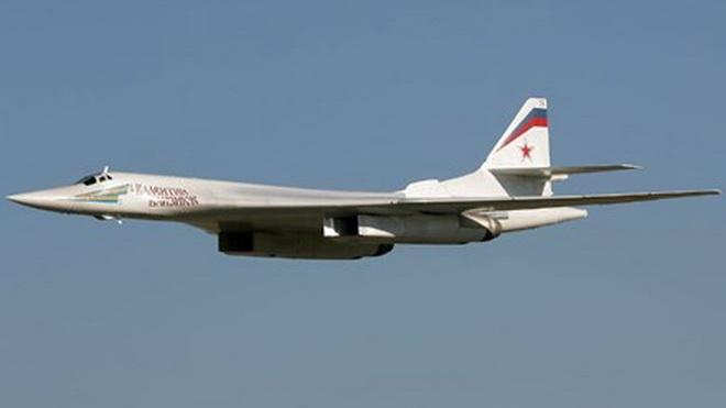 Máy bay ném bom Tu-160MS2 của Nga thách thức phòng không phương Tây
