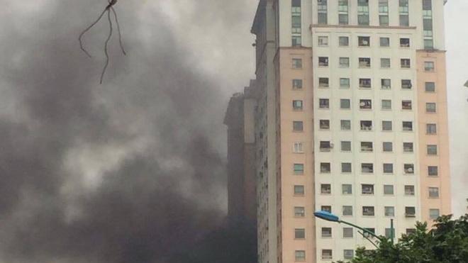 Nguy cơ cháy nổ tại các chung cư cao tầng ở Hà Nội: Khi chủ đầu tư... đứng ngoài