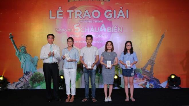 Du khách Sun World may mắn chính thức nhận thưởng các tour du lịch quốc tế