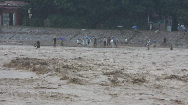 Áp thấp nhiệt đới: Yên Bái đã có 16 người chết và mất tích do mưa lũ